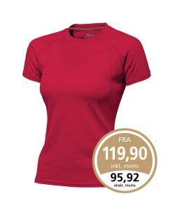Slazenger Curve t-shirt i rød som leveres med 1 eller 2 farvet True Edge transfer.